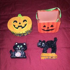 Halloween Pumpkins and Black Cats Room Decor.